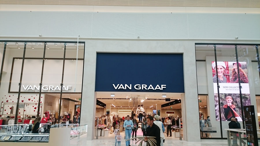 Adaptation of the two-level store VAN GRAAF with an area of 2500 m2 in the Shopping Center POSNANIA
